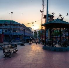 On the tourist trail in Kashmir, Srinagar is synonymous to Dal lake. Travel Tours, Travel And Tourism, India Travel, Budget Travel, Holiday Destinations, Travel Destinations, Kashmir India, Srinagar, Paradise On Earth