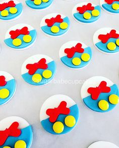 Donald Duck cupcake toppers