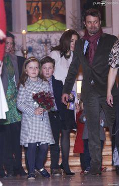 princesse Mary, prince Frederik avec le prince Christian la princesse Isabella