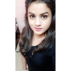 Beautiful Girl Photo, Cute Girl Photo, Beautiful Girl Image, Cute Girl Face, Pakistani Girl, Stylish Girl Pic, Girls Dpz, College Girls, Single Women
