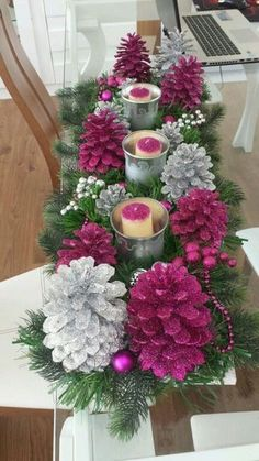 56 Cheap and Easy DIY Christmas Centerpieces Ideas You Should Try - Rustic Christmas, Simple Christmas, Christmas Holidays, Christmas Wreaths, Christmas Ornaments, Cheap Christmas, Pine Cone Crafts, Christmas Projects, Holiday Crafts