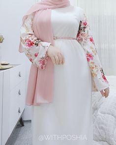 "ʟɪғᴇsᴛʏʟᴇ 💙 on Instagram: ""Ramadan / spring outfit 💕 @withposhia . . . . . . . . #hijabdaily #hijabmuslim #jualhijab #hotd #hidjabindonesia #modesty #hijablove…"" Modest Fashion Hijab, Abaya Fashion, Muslim Fashion, Fashion Dresses, Fashion Goth, Steampunk Fashion, Hippie Style Clothing, Gypsy Clothing, Gypsy Style"