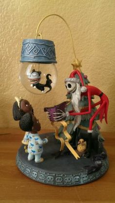 Tim Burton's Nightmare Before Christmas Snowglobe Ornament with Stand | eBay