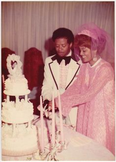 Late or early celebration in pink Vintage Wedding Photography, Vintage Wedding Photos, Wedding Dresses Photos, Vintage Bridal, Vintage Weddings, Black Weddings, Wedding Pictures, Vintage Couples, Black Marriage