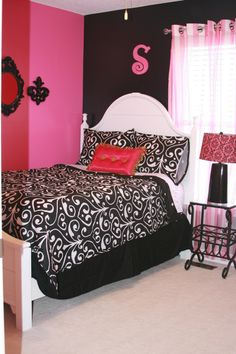 Looking for inspiration to decorate your daughter's room? Check out these Adorable, creative and fun girls' bedroom ideas. room decoration, a baby girl room decor, 5 yr old girl room decor. Black Rooms, Bedroom Black, Dream Bedroom, Black Walls, Girls Room Design, Girl Bedroom Designs, Room Girls, Teen Girl Bedrooms, Little Girl Rooms