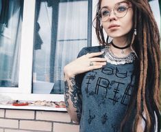 White Girl Dreads, Dreads Girl, Tattoo Girls, Girl Tattoos, Female Dreads, Beautiful Dreadlocks, Dreadlock Hairstyles, Dream Hair, White Girls