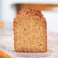 """Cake"" de zanahoria  El postre perfecto para tus Navidades... En @elrebostdelajuliette y Triticum by @moritzbarcelona @mstoremoritz #breadlovers #xeviramon #elrebostdelajuliette #juliette #forndepa #forndepajuliette #bread #bakery #boulangerie #bröd #pastisseria #pastry #gastronomy #gastronomia #foodie #foodforfoodies #carrotcake #maresme #vilassardemar #barcelona #feliznavidad #bonnadal #christmas #triticum #triticumbreadlovers"