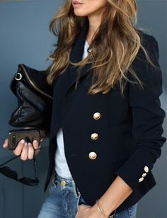 39d384446af3 Navy blue blazer with jeans and a white t-shirt - a great classic  combination