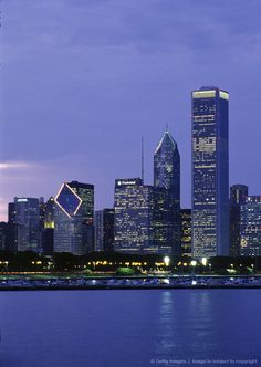 CHICAGO DOWNTOWN SKYLINE IN THE EVENING View from the Adler planetarium. Chicago, Illinois