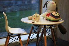 Tafeltje en stoeltjes voor de allerkleinsten in #hetlandvanooit  #theconceptfactory