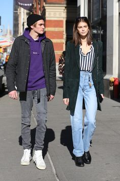 20s Fashion, New Fashion Trends, Fashion Models, Fashion Outfits, Kaia And Presley Gerber, Kaia Gerber, Celebrity Outfits, Celebrity Style, Young Mom Style
