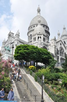 pariisi:    Basilique du Sacre Coeur, Paris  by  Gina Mooney on pinterest.com
