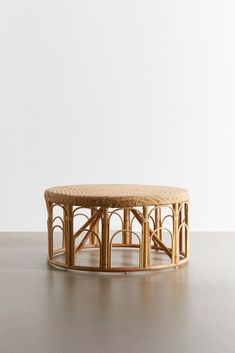 Modern Boho coffee table from Urban Outfitters Wicker Coffee Table, Rattan Dining Chairs, Rattan Side Table, Diy Coffee Table, Side Tables, Coffee Coffee, Rattan Daybed, Coffee Enema, Black Coffee
