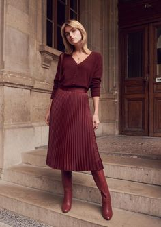 La jupe midi plissée - Famous Last Words Casual Dress Outfits, Trendy Dresses, Skirt Outfits, Fall Outfits, Trend Fashion, Fashion Mode, Fashion Outfits, Lifestyle Fashion, Fashion Tips