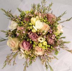Old Dutch Rose Vintage Bridal Bouquet 3