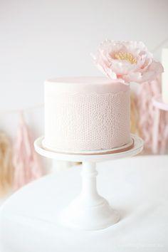Dessert Table Blush Pink Wedding Cake, White Wedding Cakes, Elegant Wedding Cakes, Elegant Cakes, Purple Wedding, Wedding Simple, Trendy Wedding, Single Tier Cake, Single Layer Cakes