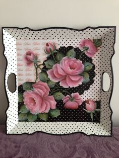 Shabby Chic Farmhouse, Shabby Chic Style, Hobbies And Crafts, Diy And Crafts, Painted Trays, Decoupage Box, Tray Decor, Paint Designs, Little Gifts