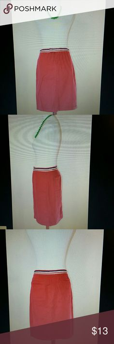 Tommy Hilfiger Skirt Tommy Hilfiger   Size 4   Red Knee Length Skirt Cotton with Sewn In Belt Pockets   Smoke free home Tommy Hilfiger Skirts Midi