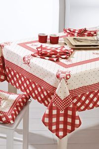 Christmas decorations: last minute ideas!- Addobbi natalizi: idee last minute! Linen Tablecloth, Table Linens, Tablecloths, Bed Cover Design, Red Cottage, Last Minute, Table Toppers, Diy Arts And Crafts, Decoration Table