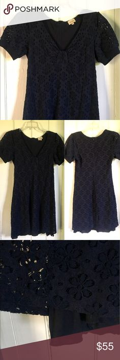 Pretty Ella Moss lace summer dress! 💙 Pretty Ella Moss lace summer dress! 💙 Beautiful sheer lace over jersey material lining.  Zips up back. Excellent used condition! Ella Moss Dresses Mini