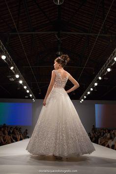 Solaine Piccoli desfila coleção 2015 inspirada na Rainha Vitória no Noivas do Brasil Bride's WeekNoivas do Brasil