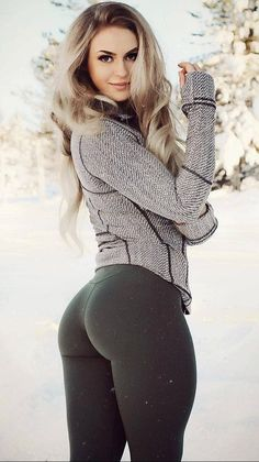 My personal favorite – Acoustic Anna Nystrom Static Good Looking Women, Girls In Leggings, Tights Outfit, Sexy Shorts, Sexy Dresses, Hot Girls, Sexy Women, Anna, Clothes For Women