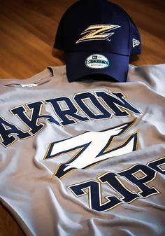 Show everyone you root for the Zips with this Akron Zips Mens Grey Short Sleeve T Shirt! Rally House has a great selection of new and exclusive Akron Zips t-shirts, hats, gifts and apparel, in-store and online. Pittsburgh Pirates, Pittsburgh Penguins, Pittsburgh Steelers, Oh My Home, Akron Zips, Pitt Panthers, T Shirt Image, Team Names, Short Sleeve Tee