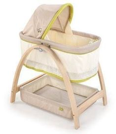 Summer Infant Bentwood Bassinet - Reviewed and rated at Mommyhood101.com