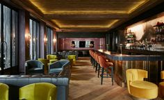For this edition of restaurant interior ideas, we are taking you to Chicago. Maple & Ash has the warmth and sophistication of steakhouses from a bygone era. #restaurantinterior #armchairs See more at: https://www.brabbu.com/en/inspiration-and-ideas/world-travel/restaurant-interior-ideas-maple-ash