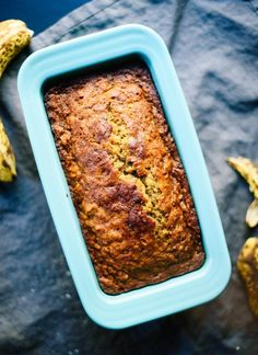 Banana Bread Healthy banana bread recipe—you're only a few simple ingredients and one bowl away from the best banana bread ever! Healthy banana bread recipe—you're only a few simple ingredients and one bowl away from the best banana bread ever! Healthy Bread Recipes, Banana Bread Recipes, Healthy Snacks, Healthy Eating, Vegan Recipes, Olive Oil Banana Bread Recipe, Best Healthy Banana Bread Recipe, Best Banana Bread, Cookie And Kate Banana Bread