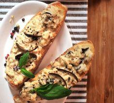 Wer behauptet denn, Bruschetta ginge nur mit Tomate? Für alle, die es mal mit Aubergine probieren wollen, gibt es hier das Rezept: http://www.sanlucar.com/rezepte/auberginen-bruschetta/
