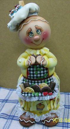 Pote de bolacha de 2 L,  trabalhado em biscuit  em forma de Ginger comendo bolacha. ENCOMENDAS SOMENTE MEDIANTE PAGAMENTO DE 50% DO VALOR TOTAL (ARTIGO + FRETE),  PAGO NO ATO DO PEDIDO POR DEPÓSITO EM CONTA. CONSULTE A CONTA PARA DEPÓSITO. VAGAS: CONSULTE O MÊS DE ENTREGA, ESTOU AGENDANDO CONFORME POSSIBILIDADE. GRATA. R$ 182,00