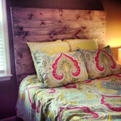Wooden headboard DIY 40 dollars cheap rustic and that's my bed spread! Rustic Wood Headboard, Diy Headboards, Diy Bed, Do It Yourself Home, Home Projects, Diy Furniture, Diy Home Decor, Sweet Home, Bedroom Decor