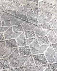 Vienna 2355 Hand Loomed Grey Beige Patterned Wool and Viscose Modern Rug Wool Area Rugs, Wool Rugs, Modern Rugs, Modern Homes, Grey And Beige, Vienna, Loom, Colours, Handmade