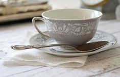 Vintage Gray Floral Tea Cup by Vogue China - Prelude Pattern Grey Tea Cups, Vintage China, Vintage Teacups, Vintage Pottery, Coffee Recipes, Tea Cup Saucer, Afternoon Tea, Decoration, Tea Time