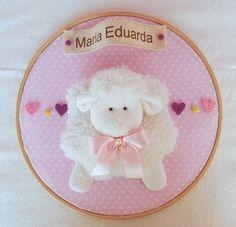 Quadro Maternidade Bastidor Ovelha  ovelha,ovelhina, carneiro, porta de maternidade, guirlanda ovelhas, guirlanda, decoração de quarto de bebê, ,chá de bebê tema ovelha