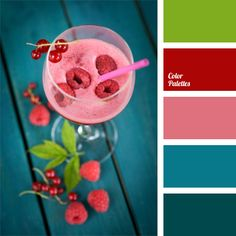 Bright turquoise colour looks spectacular combined with pink and raspberry. It is good to use such pallete to decorate the room with large ceilings and big.