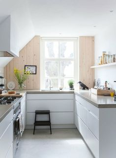 1000 images about kleine keuken on pinterest small kitchens van and kids stool - Kleine aangepaste keuken ...