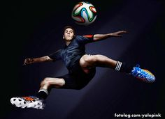 Campanha Adidas : Messi durante ensaio fotográfico das novas botinas Adidas, botinas feitas especialmente para a Copa do mundo.  Por hoje é só, estou cansadinha minha gente rs.  Bjs   yolepink