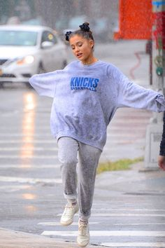 Where to Shop Ariana Grande's Hottest Looks - Celebrity Sightings in New York C. - mood - Where to Shop Ariana Grande's Hottest Looks – Celebrity Sightings in New York City – Septemb - Ariana Grande Fotos, Ariana Grande Images, Ariana Grande Sexy, Ariana Grande Outfits Casual, Ariana Grande Clothes, Mac Miller And Ariana Grande, Ariana Grande Tumblr, Sweats Outfit, Oversized Hoodie Outfit