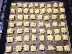 Sajtos kockák (Isteni finom, mint a bolti) | Marcsi Tóth receptje - Cookpad receptek Cheese, Party, Desserts, Food, Tailgate Desserts, Deserts, Parties, Meals, Dessert