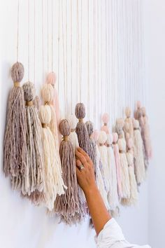 DIY Tassel Wall Hanging - Honestly WTF - - The decision on what to do with the immense blank wall along our staircase has been irresolute . for nearly 2 years. Should I weave a massive wall hanging? If only I had the time. Yarn Wall Art, Hanging Wall Art, Diy Wall Art, Wall Hangings, Diy Hanging, Cheap Wall Art, Simple Wall Art, 3d Wall, Diy Wand