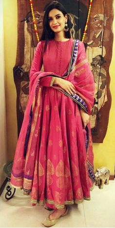 Get Ready For A Wedding With These Gorgeous Anarkali Suit Designs Ideas is part of Designer dresses indian - Anarkali dress are a must have in every woman's wardrobe Get ready for a wedding with these gorgeous anarkali suit designs ideas Ethnic Outfits, Ethnic Dress, Indian Ethnic Wear, Kurta Designs Women, Salwar Designs, Latest Anarkali Designs, Designer Anarkali Dresses, Designer Dresses, Indian Wedding Outfits