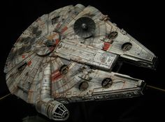 Take a look at this incredibly detailed scale model Millenium Falcon, complete with interior lighting and lots of battle scars. Nave Star Wars, Star Wars Art, Star Trek, Falcon Movie, Millennium Falcon Model, Sf Movies, Star Wars Spaceships, Battle Scars, Sci Fi Models