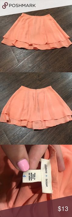 Urban Outfitters Skirt Really great skirt in a fun color! Very gently used! I've paired it with a crop top and with a shirt tucked in and it was really cute/flattering both ways! I put orange for the color but in person it is definitely a peach color! 🍑 Urban Outfitters Skirts Circle & Skater