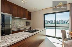 Apartamento localizado no bairro Água Verde, Curitiba. Código AP0149