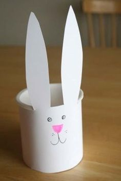 Cute Easter bunny crafts for kids, easy Easter baskets, sweet springy treats and more. Plus, check out easy Easter recipes for kids! Easy Easter Crafts, Bunny Crafts, Easter Crafts For Kids, Easter Ideas, Basket Crafts, Easter Recipes, Spring Crafts, Holiday Crafts, Cute Easter Bunny