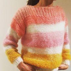 Ideaal model om te leren ☕ Jersey tejido con Patrón disponible en revista ideal para aprender a ☕ knitted with Ingenua Pattern available in Crochet Shawl, Knit Crochet, Knitting Projects, Knitting Patterns, Super Bulky Yarn, Mohair Sweater, Sweater Fashion, Knitwear, Pullover