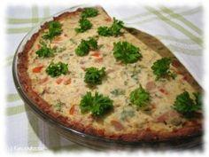 Kevyt tonnikala-kasvispiiras Tuna Pie, Sweet And Salty, Quiche, Nom Nom, Healthy Recipes, Healthy Food, Baking, Breakfast, Breads