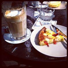 Isän kanssa nautiskelemassa kahvista ja auringosta | Kahvipannun taikaa -kuvakisa